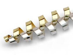 thumbnail_Interlocking-silver-gold-brooch.jpg