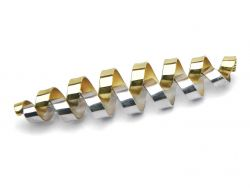 thumbnail_Interlocking-silver-gold-brooch1.jpg